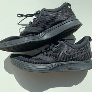 Nike Zoom Strikes